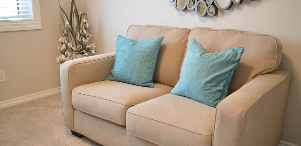 Limpieza de sof s c mo quitar manchas y limpiar tu sof - Como quitar manchas en la pared ...