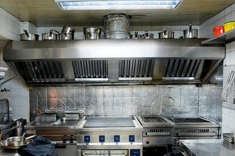 C mo y por qu limpiar la campana extractora de tu hogar - Como limpiar el extractor de la cocina ...