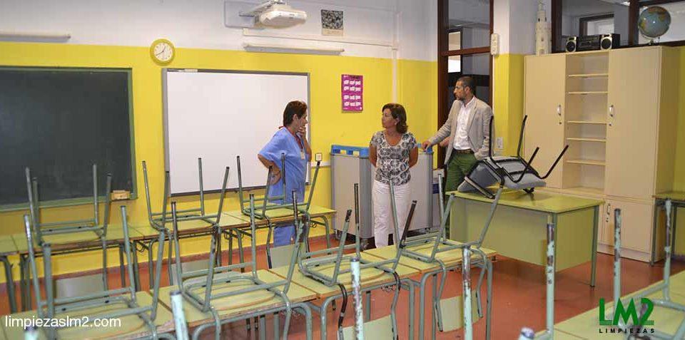 trabajo de limpieza en escuelas infantiles
